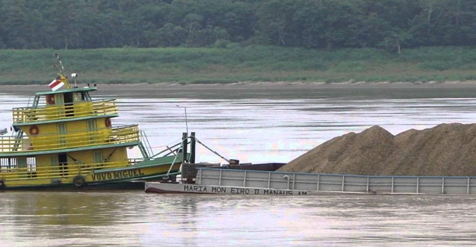 You are currently viewing Transporte de Minerais em balsas em toda a Amazônia